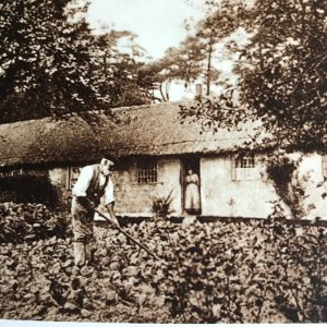 """Gravelye Cottage in Lindfield, Sussex. One of the cottages constructed by William Allen to be rented at reduced rates for the local poor as part of the """"American Colony"""""""
